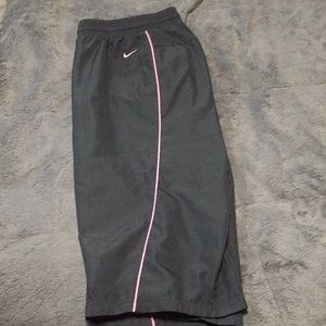 NIKE workout mesh-lined Capris, gry/pnk L